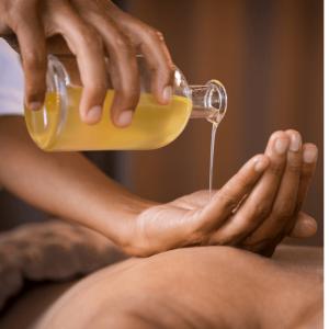 Abhyanga Oil Massage Treatment 2