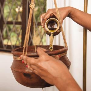 Shirodhara Oil Dripping Treatment 2